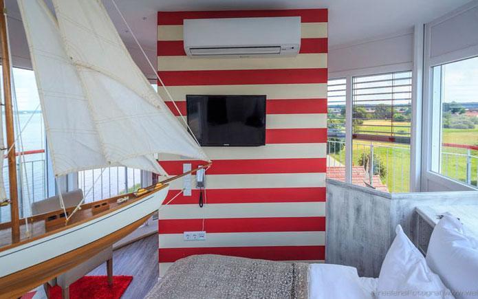 turmzimmer derleuchtturm hotel und restaurant im lausitzer seenland leuchtturmhotel am. Black Bedroom Furniture Sets. Home Design Ideas